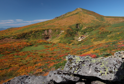 View from on the ridges of Higashi Kurikoma in autumn