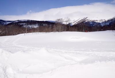 栗駒山の春景色